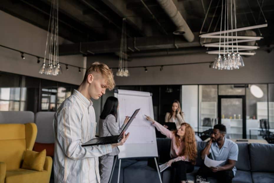 Comment devenir chef de projet digital ?